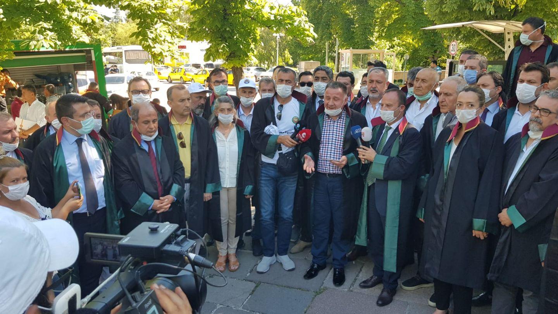 Barolar, Türkiye Büyük Millet Meclisi Önünde